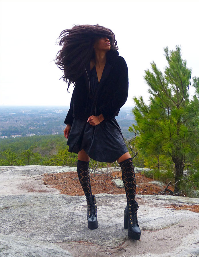 une doing a modeling shoot on Stone Mountain
